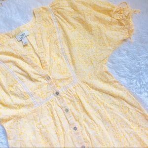 LOFT • Yellow Floral Tie Babydoll Button Down Top